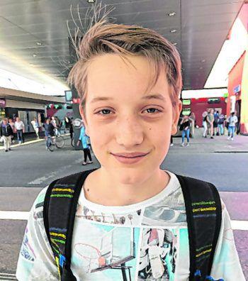 """<p>Jonas, 14, Dornbirn: """"Von der Challenge habe ich noch nie etwas gehört. Ich finde sie aber lustig. Ich muss bei dem Trend nicht dabei sein. Der Tanz ist zwar lustig, aber tanzen ist einfach nicht so mein Ding.""""</p>"""