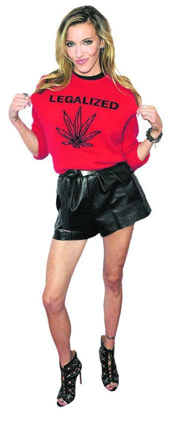 """L.A. Sexy: Catie Cassidy auf der Premiere von """"Cover Versions""""."""