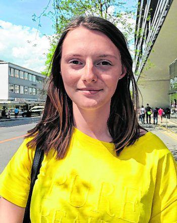 """<p>Lara, 16, Dornbirn: """"Ich finde die neue Verordnung gut. Es ist toll, dass die Daten besser geschützt werden. Es ist nur recht, dass nicht jeder Daten ohne Einverständnis der Kunden weitergeben oder veröffentlichen kann.""""</p>"""