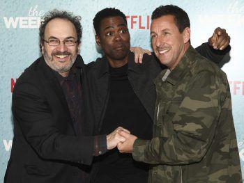"""<p>New York. Witzig: Robert Smigel, Chris Rock und Adam Sandler haben bei der Premiere von """"The Week Of"""" richtig viel Spaß zusammen.</p>"""