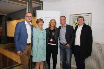 """<p class=""""caption"""">Raimund Tichy, Sabine Tichy-Treimel, Barbara und Dieter Lauermann, Michael Tinkhauser.</p>"""