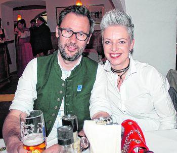 "<p class=""caption"">Robert und Elke Vögel.</p>"