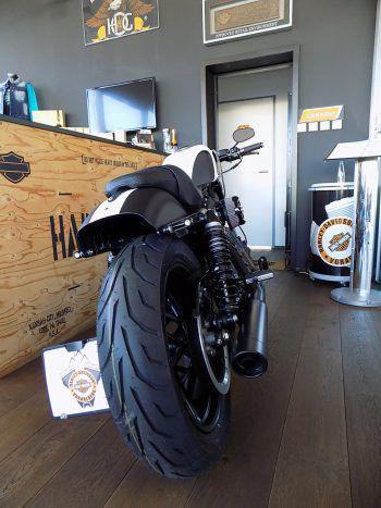 """<p class=""""caption"""">Scharfe Harley-Davidson-Modelle in Sonderaus-führungen, gesehen bei Harley-Davidson Vorarlberg.</p>"""