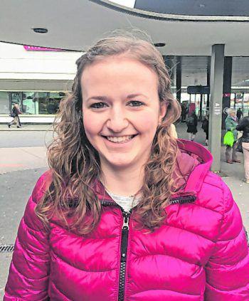 """<p>Selina, 16, Schoppernau: """"Vorarlberg bedeutet für mich vor allem gute Qualität, Natürlichkeit und Berge. Die Landschaft und die netten Leute, Zusammenarbeit und Teamwork zeichnen das Ländle aus.""""</p>"""