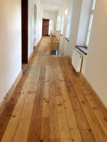 """<p class=""""caption"""">Spiegel-Parkett findet für jeden Wohnraum den passenden Bodenbelag.</p>"""