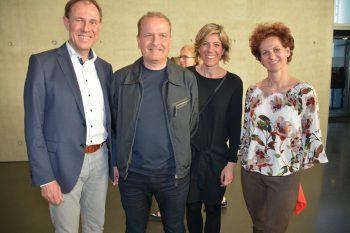 "<p class=""caption"">Tourismuschef Christian Schützinger, Stefan und Denise Andorfer und Susanne Schützinger.</p>"