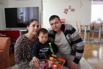 WANN & WO traf Mama Fatos, den kleinen Efe (2) und Papa Ibrahim zuhause in Dornbirn.Fotos: handout/Geben für Leben, W&IW