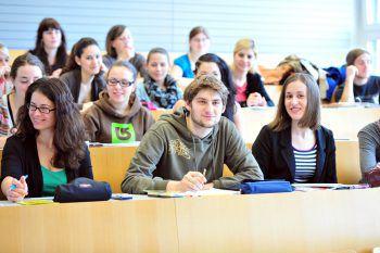 Wer sich für den Lehrerberuf entscheidet, sollte Einfühlungsvermögen und eine klare Grundhaltung mitbringen sowie gut informiert ins Studium starten.Fotos: A. Serra/handout/PH Vorarlberg