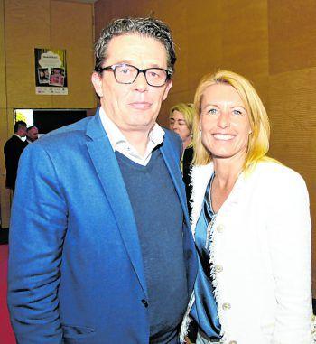 "<p class=""caption"">WK-Präsident Hans Peter Metzler mit Petra Kreuzer.</p>"