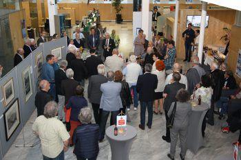 """<p class=""""caption"""">Zahlreiche interessierte Gäste folgten der Einladung in die Sparkasse Feldkirch.</p>"""