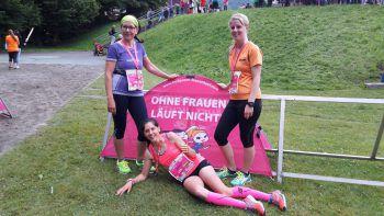 "<p class=""caption"">Ramona und Jessica mit Mama Regina beim Frauenlauf.</p>"