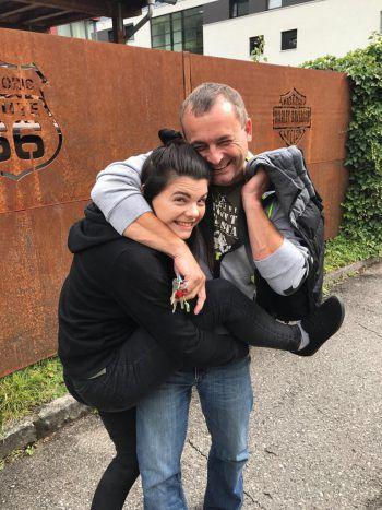 """<p class=""""caption"""">Nina und Papa Oliver überzeugten mit ihrem Schnappschuss die Jury und machen so das Rennen in der Kategorie """"Print"""".</p>"""