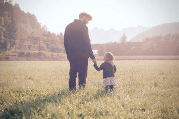 Papa Stefan mit Mila. Fotos: Privat
