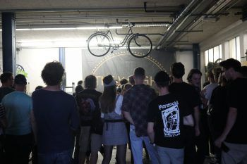 """<p class=""""caption"""">Rund 100 Gäste waren geladen, um The Weight in der Garage von den Pedal Piraten live zu erleben.</p>"""