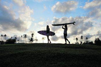 """<p class=""""caption"""">Surfsessions in den frühen Morgenstunden oder am Abend sind bei der ausgewanderten Höchsterin an der Tagesordnung.</p>"""