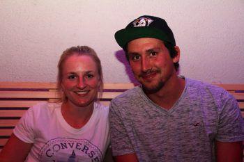 """<p class=""""caption"""">Alicia und David genossen den Abend im Alten Hallenbad.</p>"""