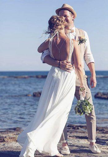 """<p class=""""caption"""">Bettina und Patrick bei ihrer Hochzeit auf Rhodos am 21. Juni 18.</p>"""