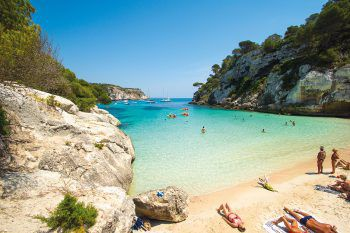 """Erlebnis Sommer"" auf Menocra, Korsika, Lefkas, Epirus und Kefalonia. Fotos:handout/Rhomberg Reisen, Fotolia"