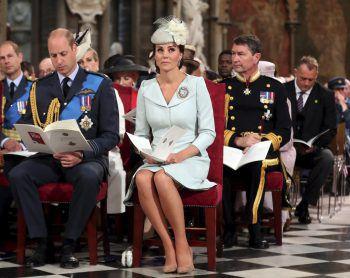 """<p>London. Schick: Prinz William und Herzogin Kate nehmen an einer Jubiläums-Feier der """"Royal Air Force"""" in Westminster Abbey teil.</p>"""