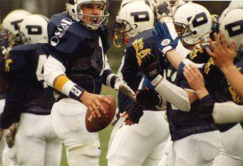 1993 schafften die Oscar Dinos das Unmögliche und holten die Austrian Bowl.Foto: handout/Grässle