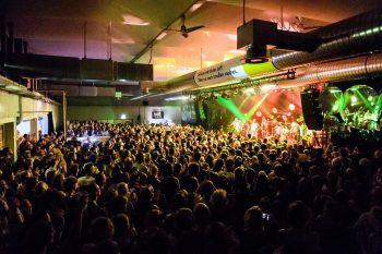 Ausverkaufte Konzerte beim Poolbar Festival gab es heuer einige. Foto: Matthias Rhomberg
