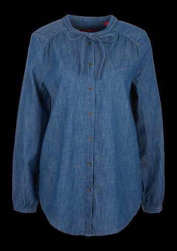 """<p class=""""caption"""">Blusen: Bright-Mid-Blue, Preis: 49,99 Euro.</p><p class=""""caption"""">Weiß, Preis 29,99 Euro.</p>"""