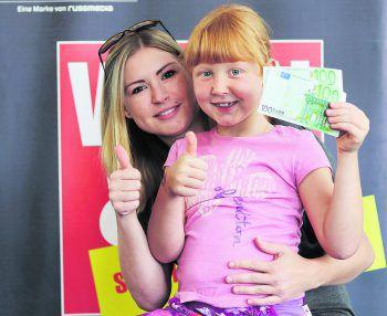 Caroline und Leonie aus Feldkirch haben ihre wohlverdienten 200 Euro als zehnte Gewinner schon abgeholt! WANN & WO und die ImmoAgentur gratulieren von Herzen. Foto: W&W