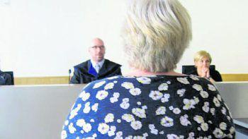Die Angeklagte in der gestrigen Verhandlung wurde nicht rechtskräftig zu einer Strafe in Höhe von 1000 Euro verurteilt. Foto: Eckert