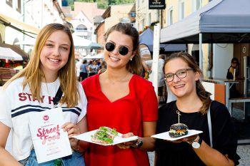 """<p class=""""caption"""">Die Gäste genossen das Street Food-Festival in Bludenz.</p>"""