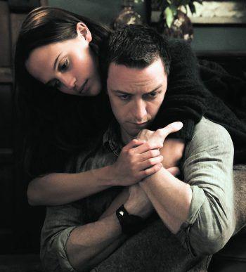 Die Liebe von Danielle und James muss einige Hindernisse überwinden. Foto: Warner Bros.
