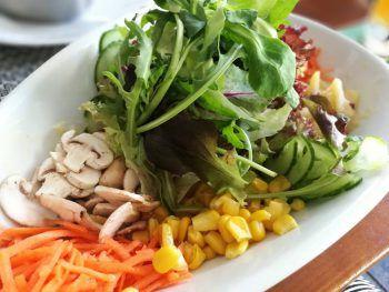 Ein besonderes Highlight im Restaurant: Die Auswahl an Salatvariationen.