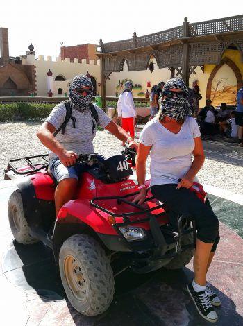 "<p class=""caption"">Herbert und Anita in Hurghada, Ägypten.</p>"