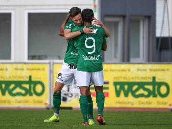Marcel Canadi and Ronivaldo jubeln über das 1:0.Fotos: GEPA/Lerch