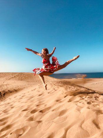 "<p class=""caption"">Michelle (22) in den Dünen von Maspalomas auf Gran Canaria.</p><p class=""caption"" />"