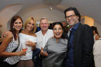 Sabine, Jeannette, Ex-Fußballprofi Erik Regtop, Angela und Manfred Rädler (Domus Wohnbau).Fotos: Lutz