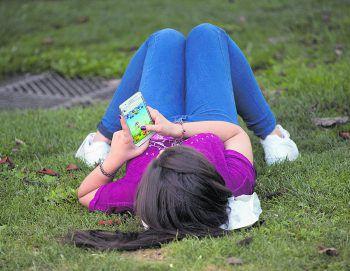 Smartphone-Spiele sind mit Vorsicht zu genießen.Fotos: Reuters
