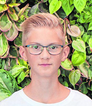 """Tobias, 13, Dornbirn: """"Für das ,Code-Base' Camp benötigt man kein Vorwissen, denn es wird alles super erklärt. Mich hat Informatik immer interessiert, weshalb ich mich gleich angemeldet habe. Auch im Camp gab es viel Abwechslung und die Exkursionen fand ich sehr cool."""""""