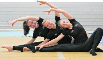 (vlnr.) Katharina, Pia und Marie trainieren seit zwei Monaten für den Viertelfinal-Auftritt bei der großen US-Show.Fotos: Hartinger, W&W