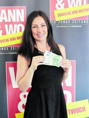 """<p class=""""caption"""">WANN & WO und die ImmoAgentur gratulieren Sabrina Pfanner aus Wolfurt zu ihrem Gewinn: 200 Euro WANN & WOhngeld in bar! Foto: W&W</p>"""