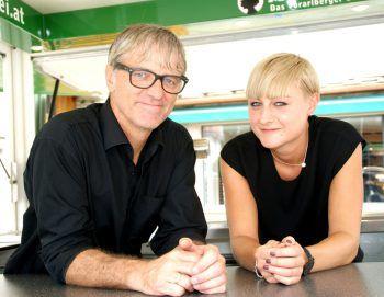 "<p class=""caption"">Wolfgang Preuß (Wirtschaft) mit Tochter Sarah.</p>"