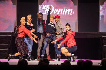 Auf der traditionellen Modeschau wurden die aktuellen Trends für den kommenden Herbst präsentiert. Foto: Steurer