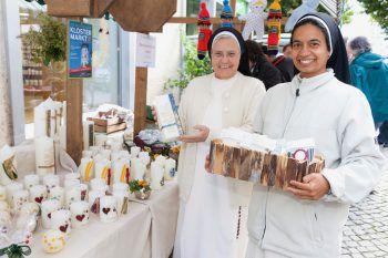 Beim Klostermarkt in Bludenz werden Handwerkskunst und Köstlichkeiten angeboten.