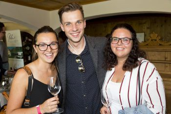 """<p class=""""caption"""">Diana Fechtig, Kevin Madlener und Annemarie Moosbrugger (Alpenhotel Mittagsspitze).</p>"""