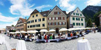 """<p class=""""caption"""">Die Marktstraße wird jetzt mit einer tollen Feier eröffnet. Fotos:Sams; handout/Stadtmarketing Hohenems</p>"""