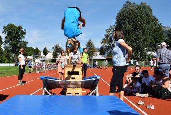 Die neu sanierte Leichtathletik Schul- und Trainingsanlage wird bestens angenommen.Foto: Dieter Mathis