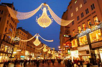 """<p class=""""caption"""">Wien bietet Weihnachtsshopping in stimmungsvollem Ambiente.</p>"""