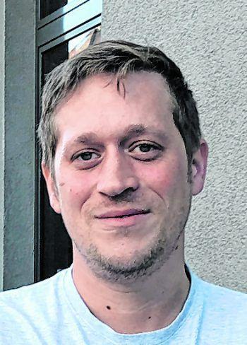 """<p>Florian, 35, Dornbirn: """"Ich würde zuerst ein Eigenheim kaufen, gleich für die ganze Familie zusammen. Ein Pool sollte bei dem Haus natürlich auch dabei sein. Ich würde das Geld jedenfalls nicht einfach so raushauen.""""</p>"""
