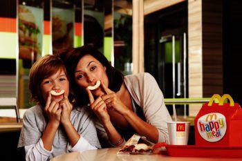 Im neuen Happy Meal steckt jetzt noch mehr Spaß. Foto: handout/McDonalds