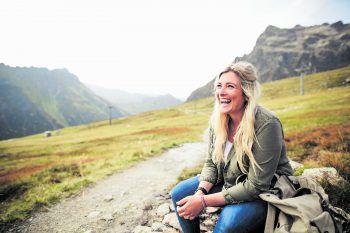 """<p class=""""caption"""">Mit ihrem gewinnenden Lächeln verzaubert Linda Meixner ihre zahlreichen Follower.</p>"""
