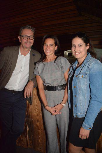 """<p class=""""caption"""">Modeexperten: Christoph und Sabrina Mießgang (Façona) mit Sandra Bilgeri (WANN & WO).</p>"""